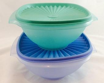 Vintage Tupperware Opaque Bowls and Lids x 2 / Tupperware Storage Bowls
