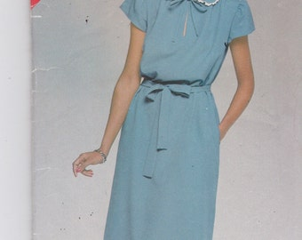 See and Sew 5262 Vintage Pattern Womens Semi Fitted Pull Over Dress SIze 14,16,18  UNCUT