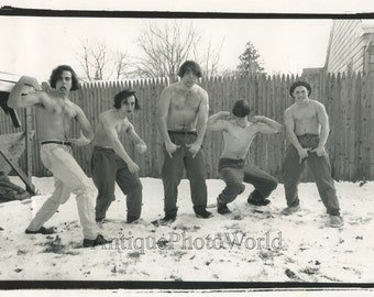 Young+shirtless+men+posing+in+snow+funny+vintage+photo