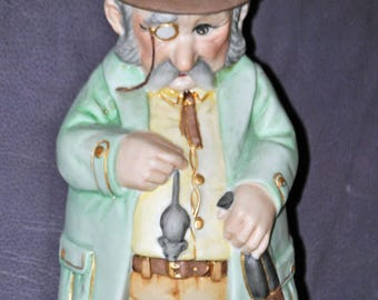 Vintage Old Englishman w Mouse Gin Decanter