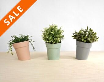 Distorted planter, modern skew design pot for flower or plant - herbs pot for growing herbs - home garden- lorier - flowerpot desginpot