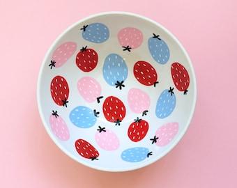 Les Fraises Pastel Strawberry Pattern Cute Hand-Painted Ceramic Bowl