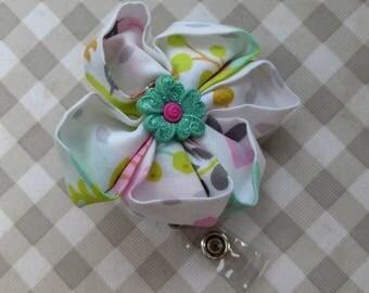 Flower, kanzashi flower retractable badge holder