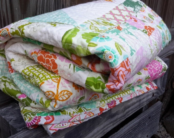 Handmade Quilt - Up Parasol by Heather Bailey - Beautiful Detailed Quilt - Picnic Size - Green, Pink, Cream, Orange, Teal - Designer Fabric