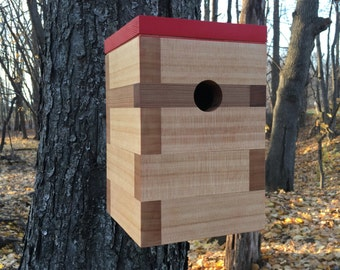 Modern Cedar Birdhouse w/Madrid Red Roof