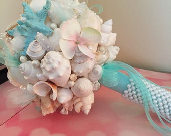 Xo bouquet 21 inch bouquet pearl handle