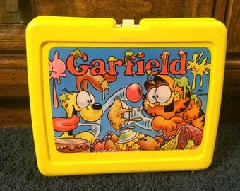 Vintage Garfield and Odie Food Fight Collectible Plastic Lunchbox Jim Davis 1980s