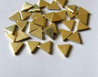 200pcs Raw Brass Triangle Stamping ,Stamping Tag,Charms 6mm x 5mm - F533