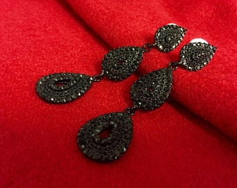 Black crytal 3 drop earrings