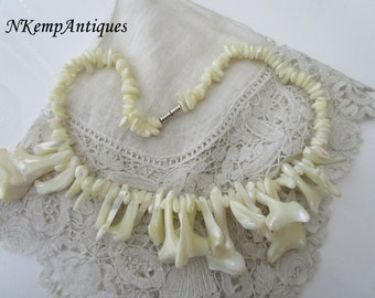 Shell glass necklace Mother of pearl