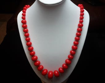 Red Graduated beaded necklace