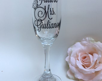 Personalized Future Mrs Champagne Flute Glass, Future Mrs Toasting Flute Engagement Gift, Bridal Shower Gift, Soon to be Mrs Champagne Glass