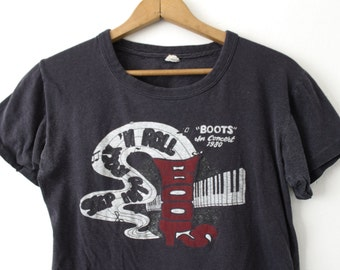 """SMALL Vintage 1980 """"Boots"""" in Concert T-Shirt"""