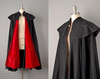 50s Cloak // 1950s's Black Wool Cloak w/ Red Velvet Lining // S-XL
