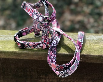 dog harness and matching leash set - effervescent bubbles