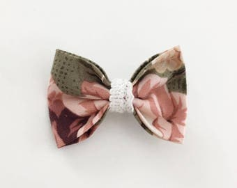 Boucle à fleurs rose et verte - Vintage flowers hair bow