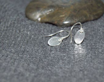 tiny oval earrings, sterling silver tiny dangle earrings, everyday earrings, small drop earrings, minimal earrings, silver dainty earrings
