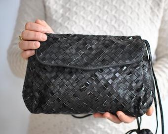 Vintage MESSENGER LEATHER BAG......(486)