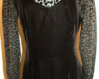 1980's 80s Black Velvet Dress / SHEER shoulder Burn out Velvet / Sweetheart neckline / Full skirt / Vintage 12 fits Smaller