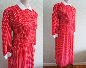 Large Vintage dress 80s. Light vintage dress. Bright Red with diamond  print.