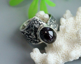 Star garnet ring ,  sterling silver, star garnet, pyrope garnet, pyrope rings, garnet jewelry, garnet rings