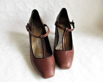 vintage brown leather and black trimming high heel T strap shoes / pumps  , Size : EU 37 / US Women's 6 1/2 / UK Women's 4