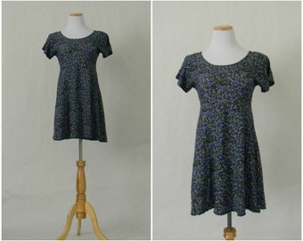FREE usa SHIPPING Vintage women's 1990's fit and flare blue floral rayon mini dress revival sundress skater dress size 7/8