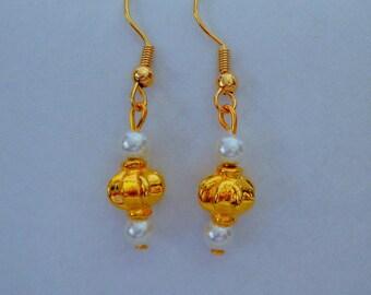 Gold Pearl Earrings,Gold Tone White Pearl Earrings,Wedding Earrings