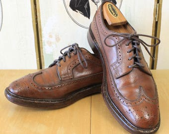 Vintage FLORSHEIM IMPERIAL Long Wing Shoes Bluchers Gunboats Wing Tip Size 8D Brown Wingtip Brogues V-Cleat Pebble Grain Made in USA
