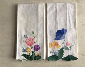 2 Vintage Applique and Embroidery Guest Hand Towels