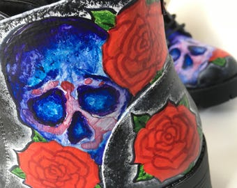 Hand painted skulls and roses boots!