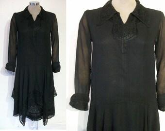 """Lovely 1920s drop waist silk chiffon and lace dress bust 33"""" w/handkerchief hemline"""