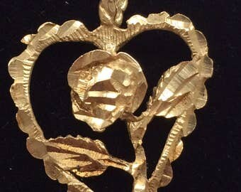Vintage 1980's 14K Yellow Gold Large Rosebud Heart Charm Pendant NICE!