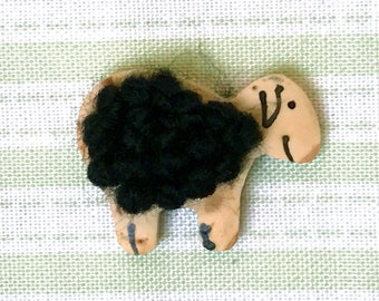 JIM wood button sheep black