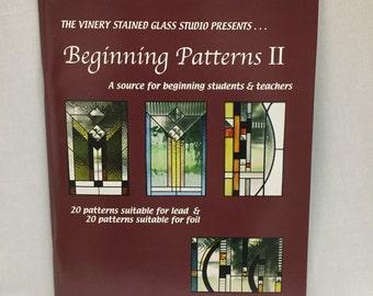 Livre, motif vitraux, début des motifs II, Stained Glass Pattern Book, des modèles pour une feuille de cuivre ou de plomb, tout nouveau livre