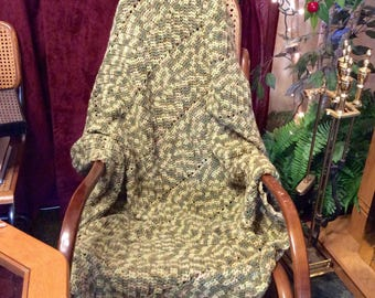 Vintage hand made crocheted variegated greens soft yarn afghan free ship to US