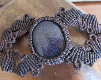 blue goldstone / sunstone brown macrame bracelet