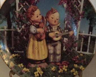 C003  Hummel Little Musicians collectible plate