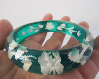 Green and White Reverse Carved Bangle Bracelet Lucite
