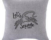 """Aliens movie Facehugger """"Let's Snuggle"""" pillow covr - 18x18inch pillow cover - movie quotes - washable pillow - home textiles - fiber arts"""