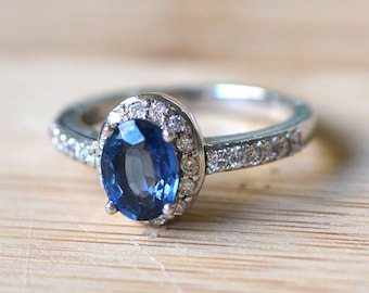White Gold Sapphire Halo Ring With Diamonds - Sapphire Engagement Ring - Oval Sapphire Ring - Halo Engagement Ring - Center Sapphire Ring