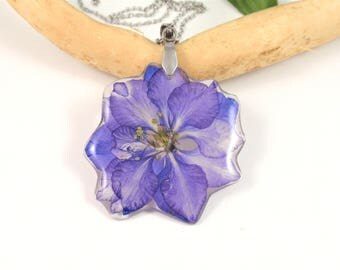 Blue Flower Resin Pendant, Real Pressed Flowers Jewelry, Blue Larkspur, Resin Necklace, Real Flower Jewelry, Botanical Pendant, Resin charm