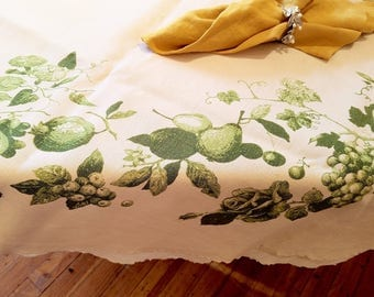 """Round 56"""" Vintage French Tablecloth in Natural Linen and Green DC-24"""