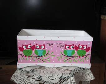 FREE SHIPPING!Girls Toy Box,Hand Made and Hand Painted.Personalize,Hand Painted OWLS,Gift,Toy Room Decor,Only ships within the Lower 48