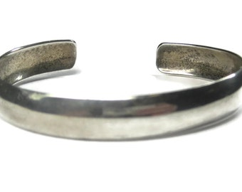 Simple Vintage Navajo Cuff Bracelet Sterling 6 Inches Ray Fierro