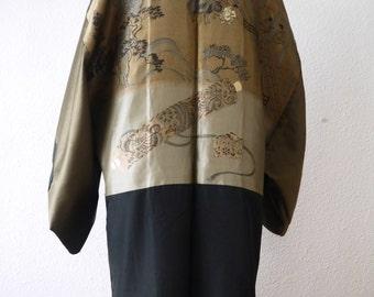 Mens Kimono Black Haori Kimono jacket/shiny khaki olive green /Embroidery/ formal kimono/black jacket/family crest/reversible