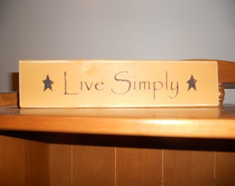 Live Simply Wood Shelf Sitter