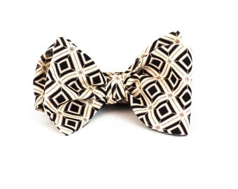 The Museum - Bow Tie
