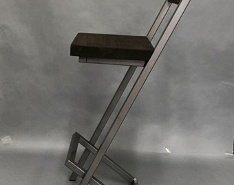 "30-32"" Bar stools X-style with back rest."