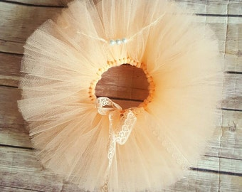 Peach tutu set. Newborn Photography prop. Girls. Ready to post.